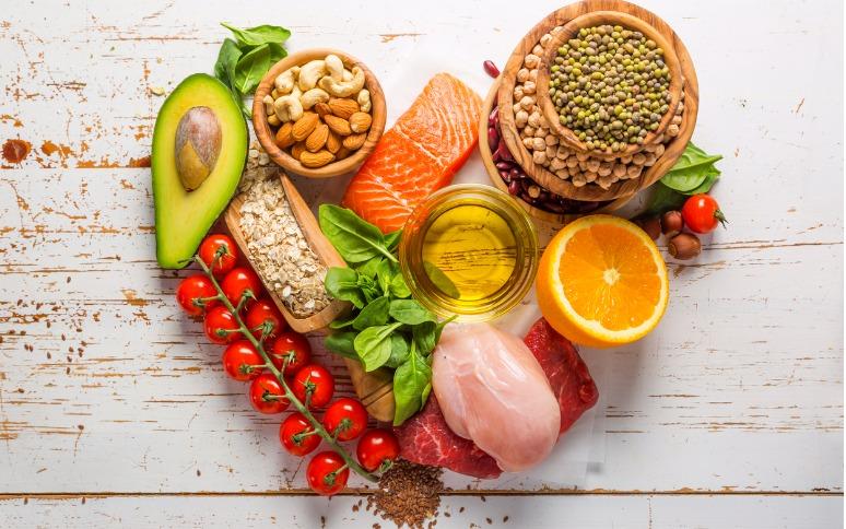 ¿Qué alimentos tomar para el colon irritable?